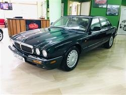 JAGUAR XJ8 3.2 cat